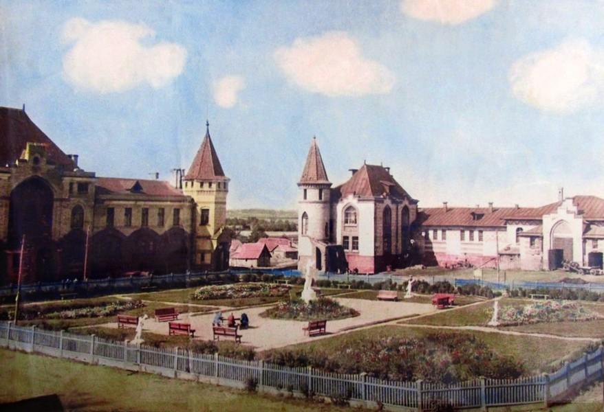 Скотный двор. Старая фотография, автор не известен.