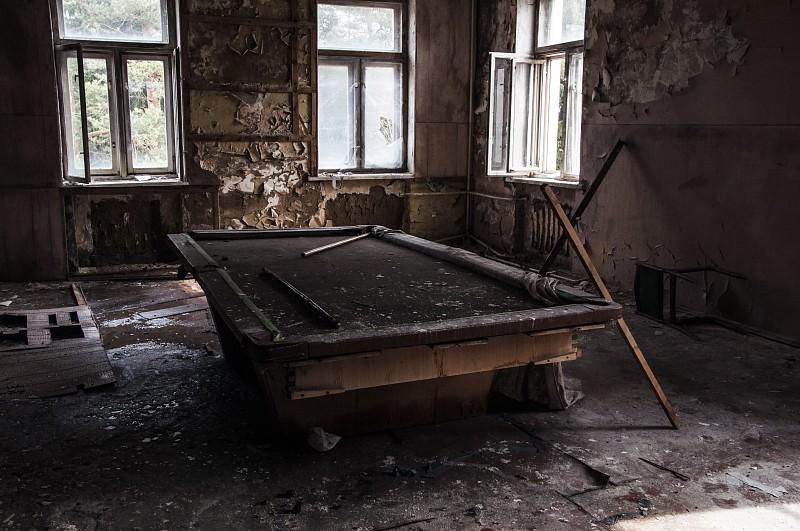 Бильярдная комната, Заброшенный санаторий им. В. П. Чкалова
