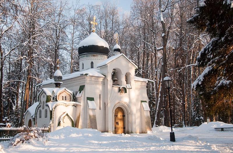 Усадьба в Абрамцево. Церковь Спаса Нерукотворного.