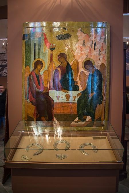 Икона Ветхозаветной Троицы. XVI век. по заказу Д.И. Годунова