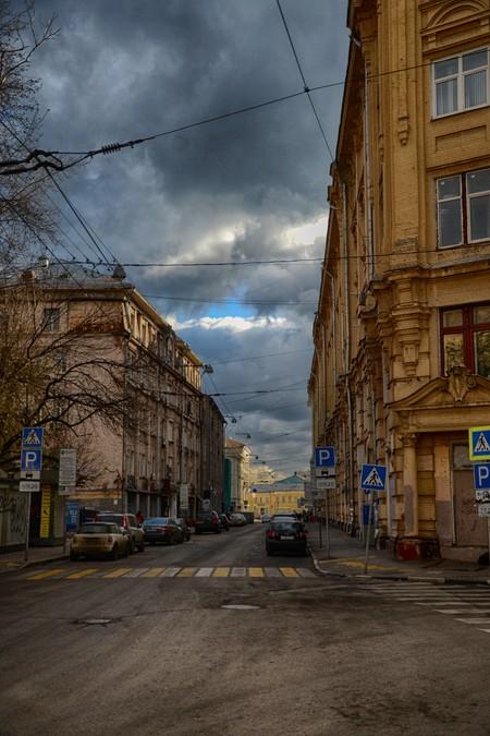 Большой Златоустинский переулок.