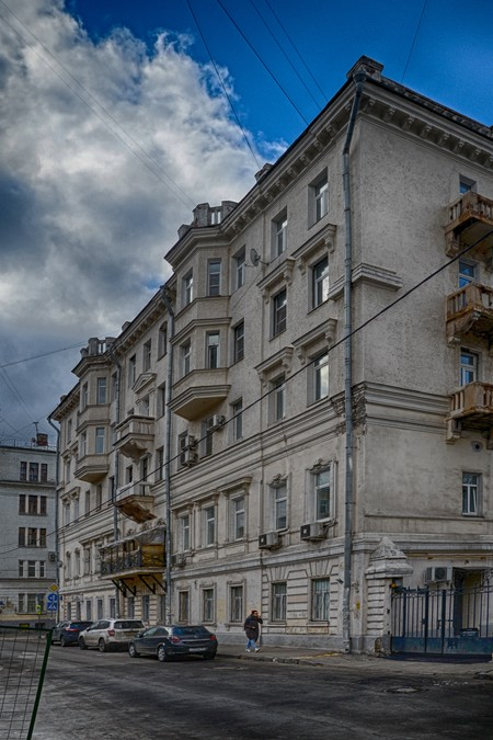 В этом доме жил Шухов