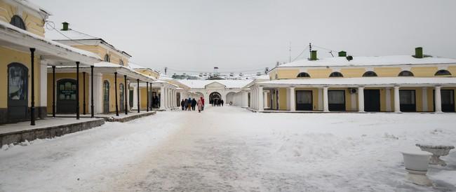 Внутренний дворик в торговых рядах