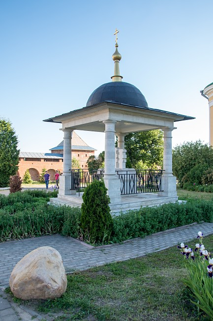 Памятник князьям Федору, Евпраксии и Иоанну