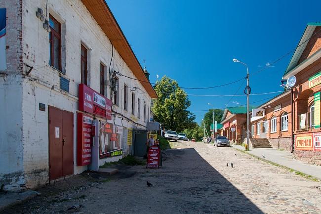 за стенами Борисоглебского монастыря