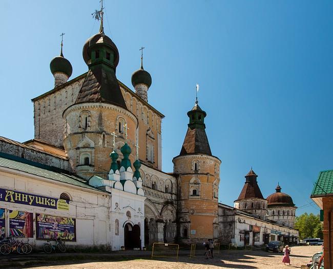 Борисоглебский монастырь. Надвратная Сретенская церковь