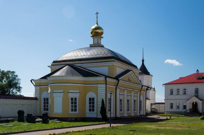 Троице-Сергиев Варницкий монастырь. Введенская церковь.