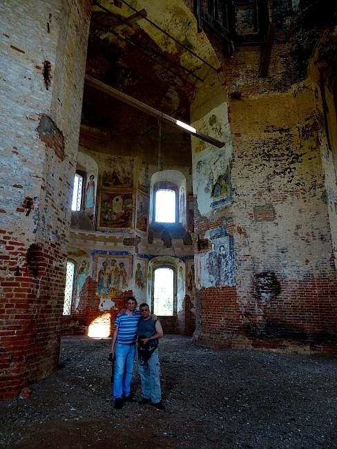 В Казанской церкви