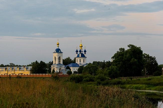 село Дунилово . Успенский женский монастырь.