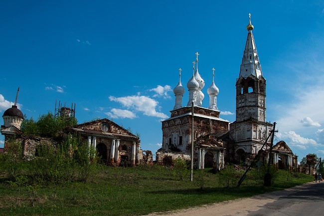 Храмовый комплекс. Церкви Покрова Пресвятой Богородицы и Всех Святых.